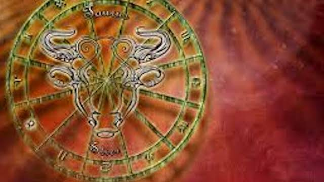 Astrologie: quels sont les signes qui y croient le plus et le moins ?