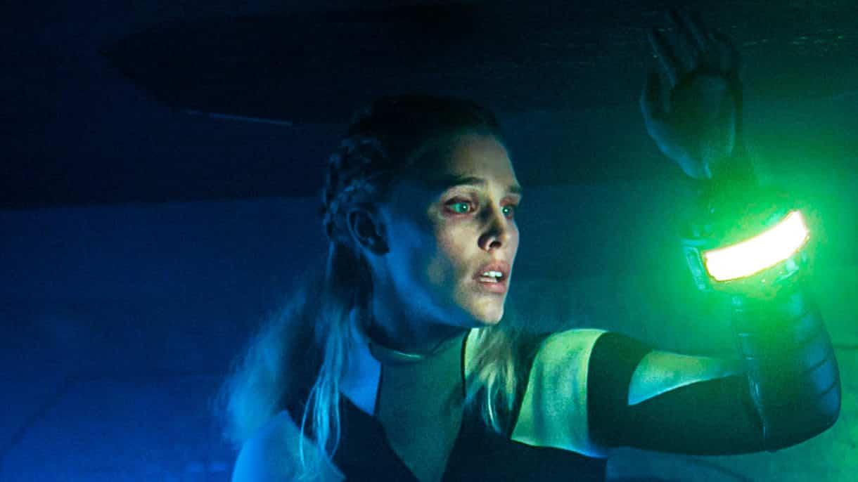 """Gaia Weiss (Vikings) ultra fière de son rôle dans le film """"Meandre"""" !"""