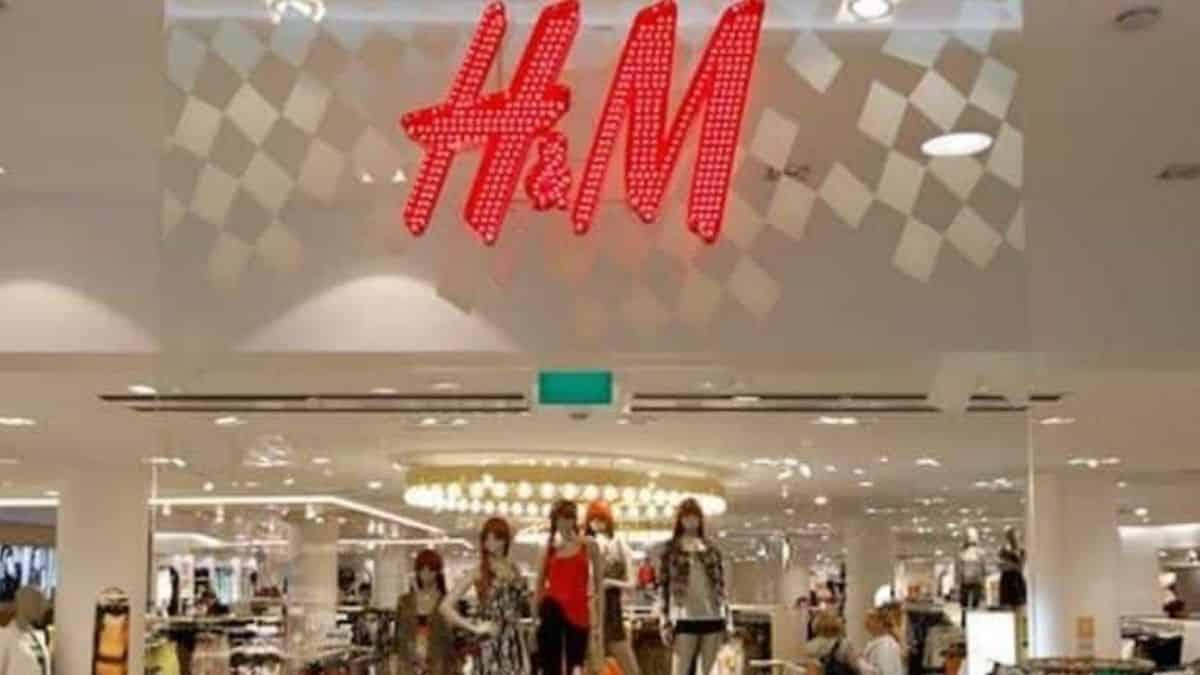 H&M fait un retour dans les années 70 avec ce pantalon tendance