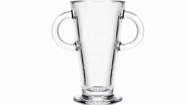 Ikea met en vente un grand verre en forme du trophée de l'Euro 2021 !