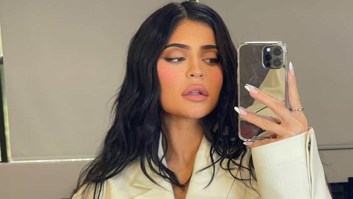 Kylie Jenner affiche ses courbes en bikini et enflamme Instagram !