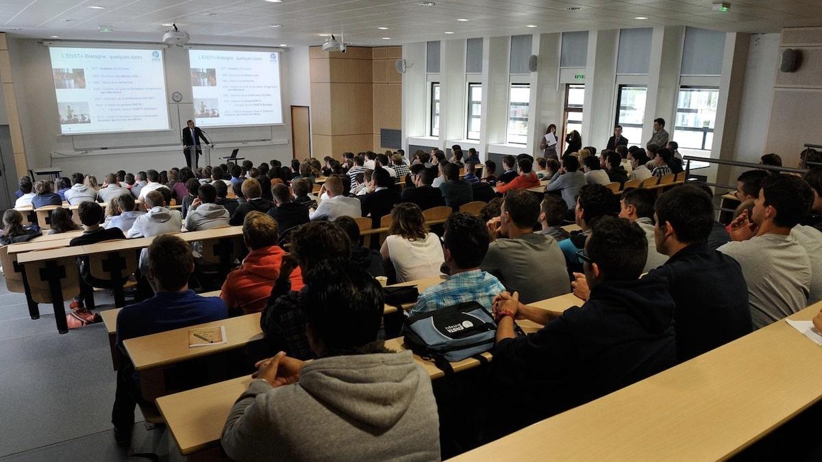 Master: que prévoit le gouvernement pour aider les étudiants en colère ?