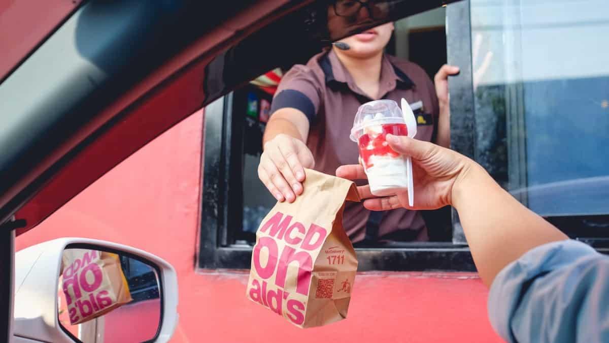 McDonald's: Top 4 des habitudes qu'on a tous en attendant notre commande !