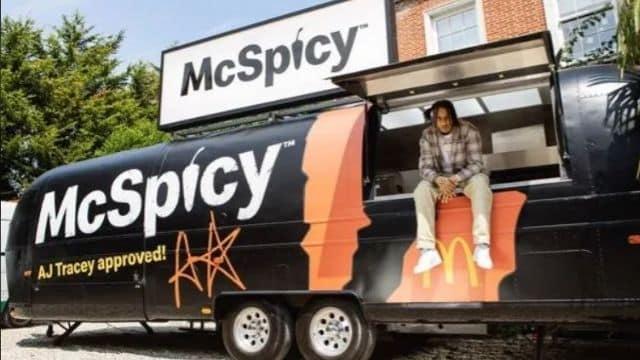 Mcdonald's: un rappeur fait la promotion du burger au poulet épicé !