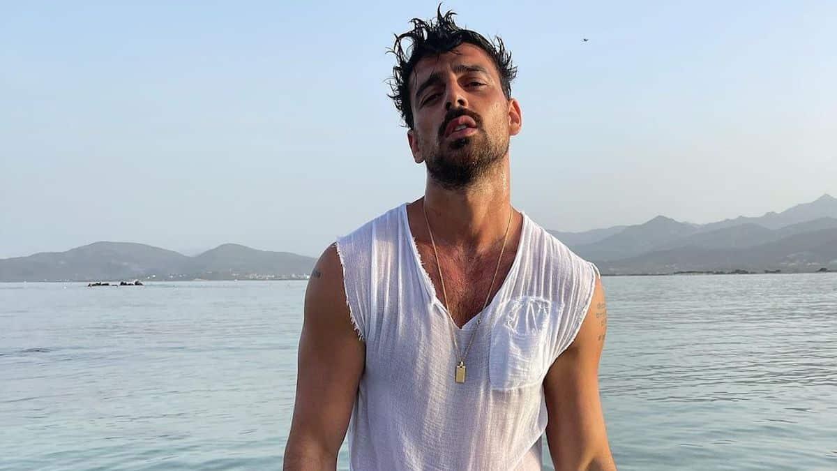 Michele Morrone ultra sexy avec sa chemise déboutonnée sur Instagram !