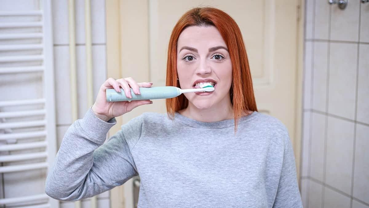 TikTok: ce nouveau défi sur le brossage de dents est très dangereux !