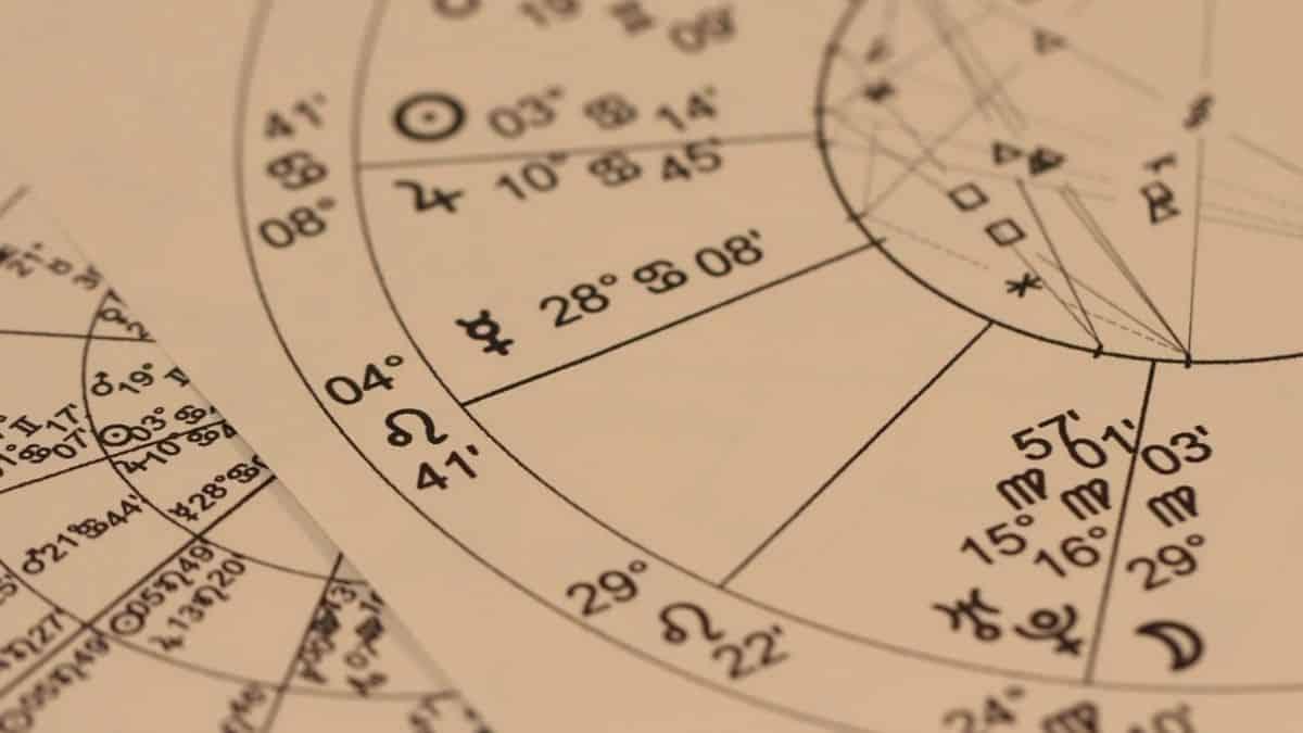 Astrologie: quel élément correspond à votre signe astro ?