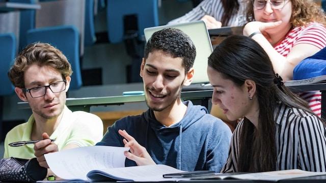 Campus: les étudiants sans master dénonce un gros manque de respect !