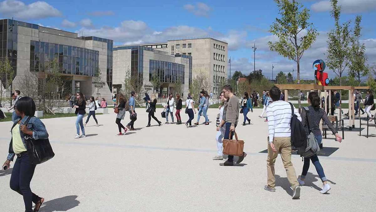 Étudiants: de nombreux jeunes bloqués sur le campus durant tout l'été !