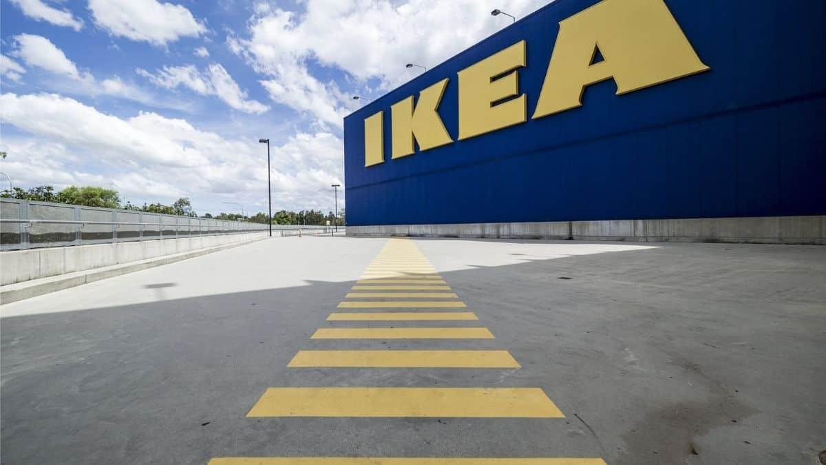 """Ikea vend des bougies au parfum insolite """"boulettes de viande"""" !"""