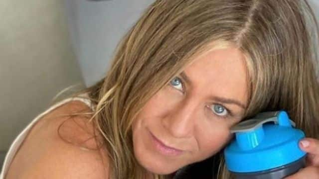 Jennifer Aniston laisse de côté ses amis qui sont contre le vaccin !