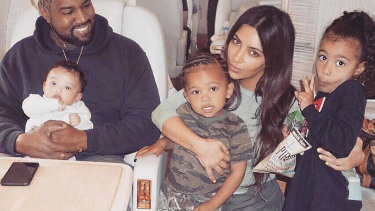 Kim Kardashian les fans de Drake vandalisent la maison de Kanye West !