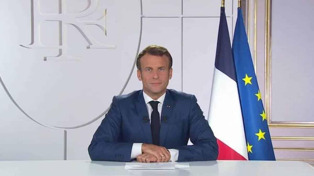TikTok: Emmanuel Macron décontracté pour parler de la vaccination !