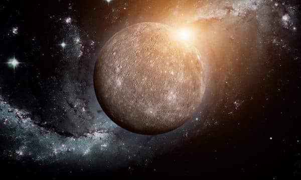 Astrologie: comment la rétrograde de Mercure va vous impacter ?