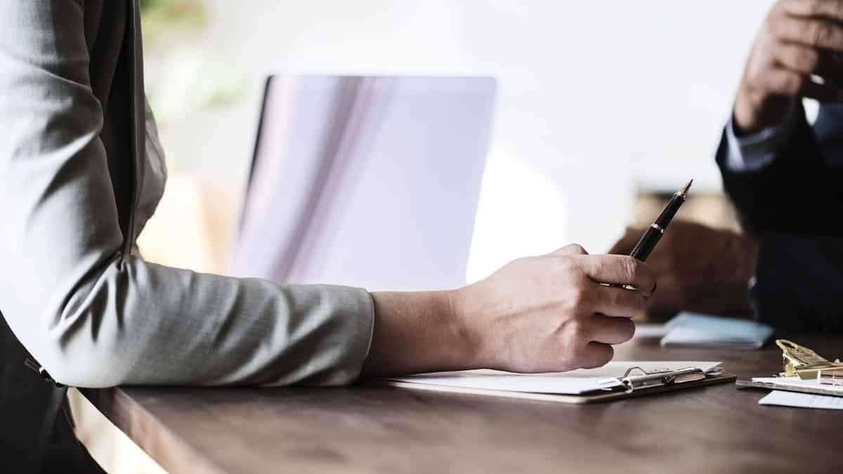 Étudiants: Agathe Auproux donne ses conseils pour un CV réussi !