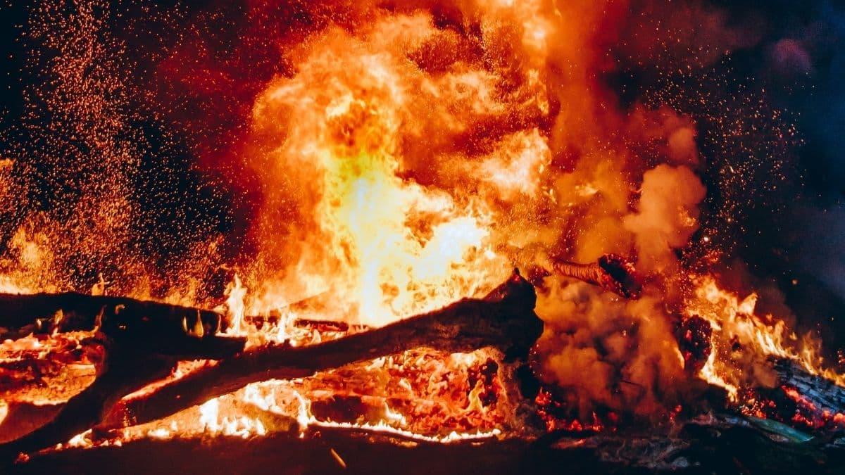 Etudiants: des jeunes sous le choc après l'incendie dans leur lycée !