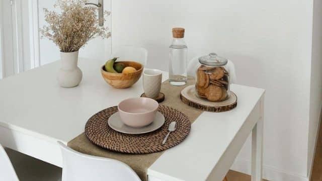 Ikea dévoile sa nouvelle décoration de table à manger très épurée !