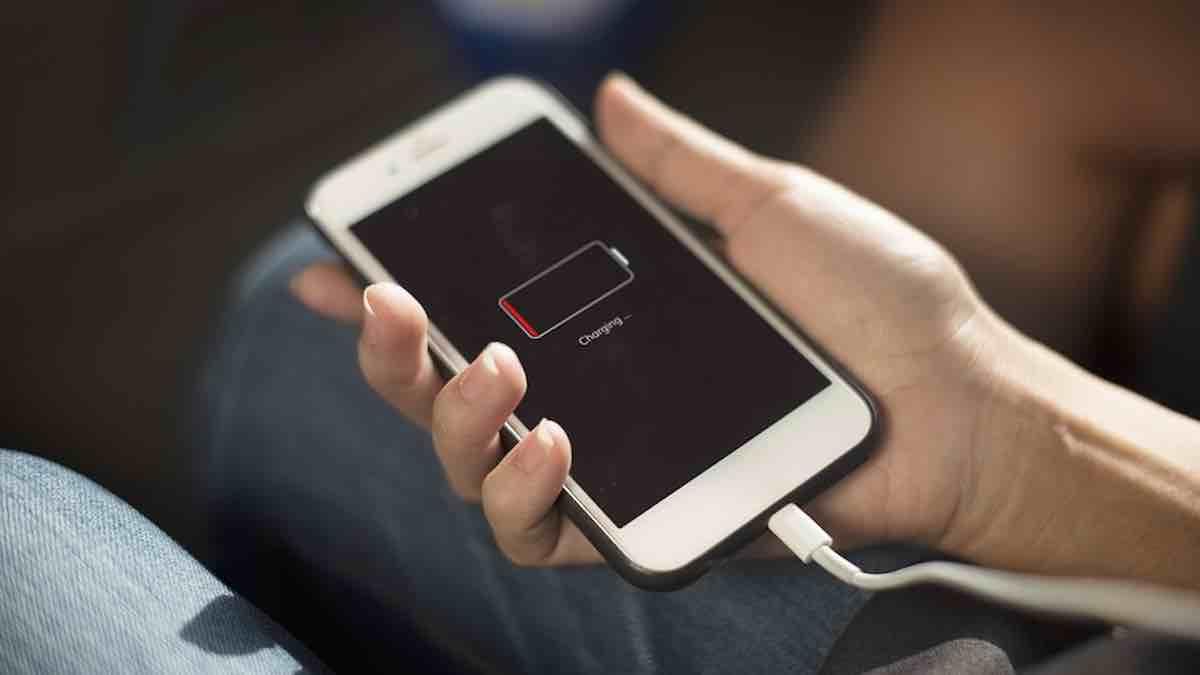 iPhone: Apple s'inquiète pour le chargeur unique imposé par l'UE ?