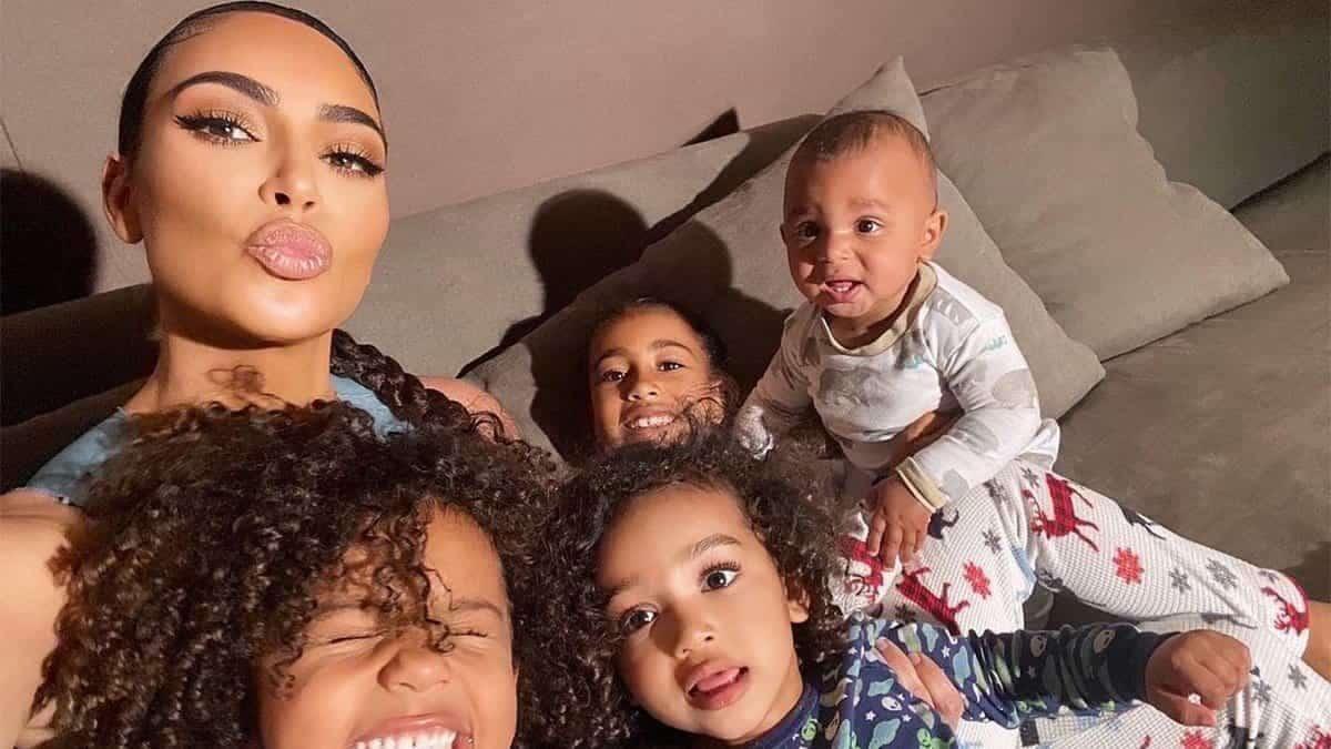 Kim Kardashian: son fils Psalm West ignore ses bisous et c'est hilarant !