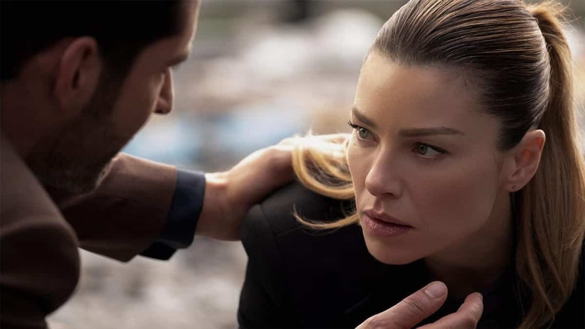 """Lauren German (Lucifer) se confie sur une scène qui l'a """"terrifiée"""" !"""