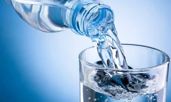 McDonald's: le fast-food a le droit de vendre son eau aussi chère ?