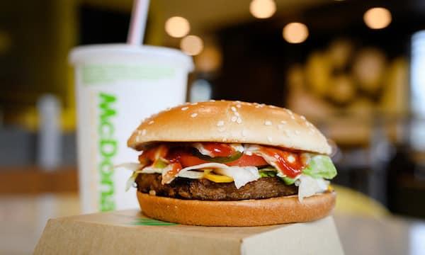 "Mcdonald's: son nouveau burger vegan ""McPlant"" va sortir en France ?"