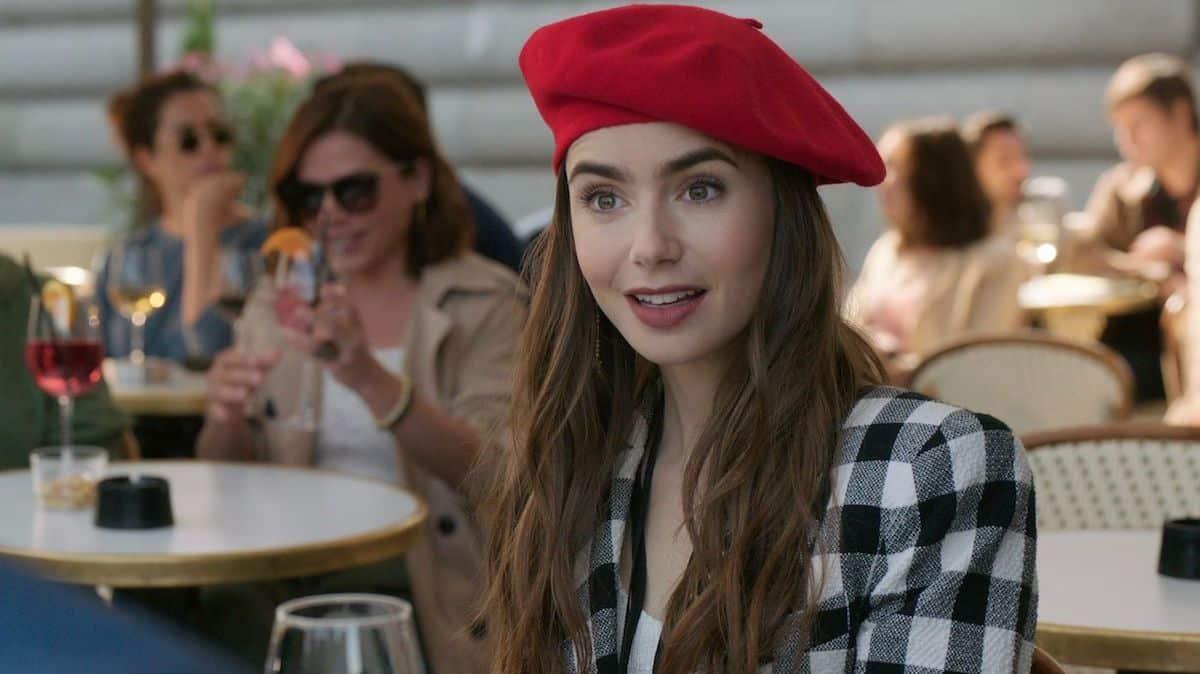 """Netflix dévoile un premier teaser de la saison 2 d'""""Emily in Paris"""" !"""