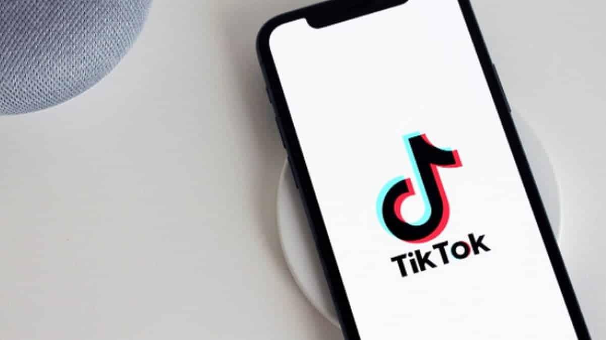 TikTok lance une nouvelle tendance bizarre et sucrée: le «sploshing» ?