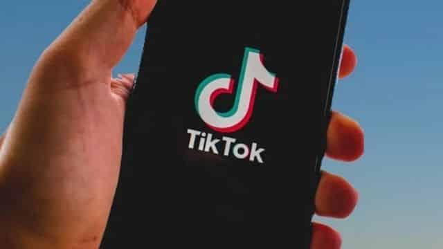 """TikTok: le """"Milk Crate Challenge"""" réinventé de manière plus sécurisé ?"""