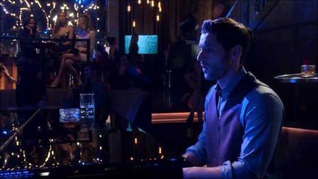Tom Ellis (Lucifer) a adoré chanter la chanson «Creep» dans la série !