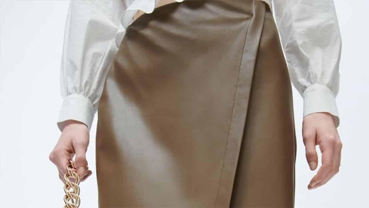 Zara dévoile ses plus belles tenues avec sa nouvelle jupe en cuir !