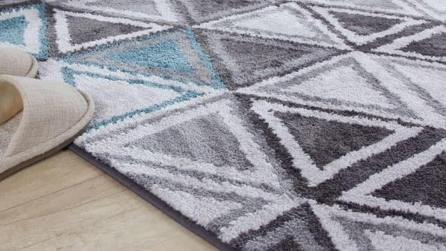 Zara Home met en valeur son nouveau tapis d'une façon très originale !