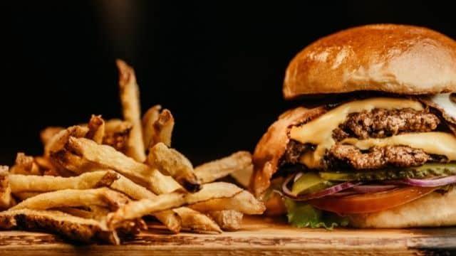Deliveroo cherche des critiques gastronomiques pour tester des adresses !