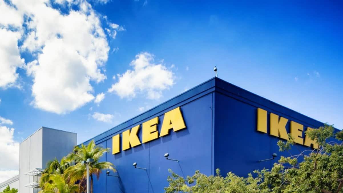 Ikea vend un nouveau canapé très fonctionnel pour les petits espaces !