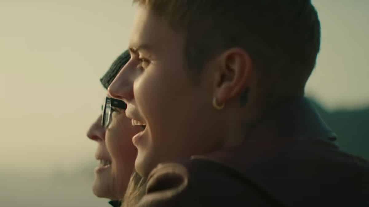Justin Bieber et Diane Keaton affrontent le deuil dans le clip «Ghost» !