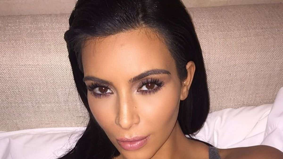 Kim Kardashian se moque gentiment de sa famille au «Saturday Night Live» !