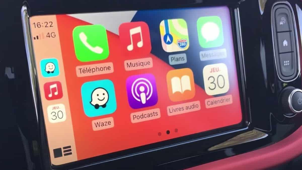 L'iPhone va bientôt contrôler toute votre voiture grâce à CarPlay ?L'iPhone va bientôt contrôler toute votre voiture grâce à CarPlay ?