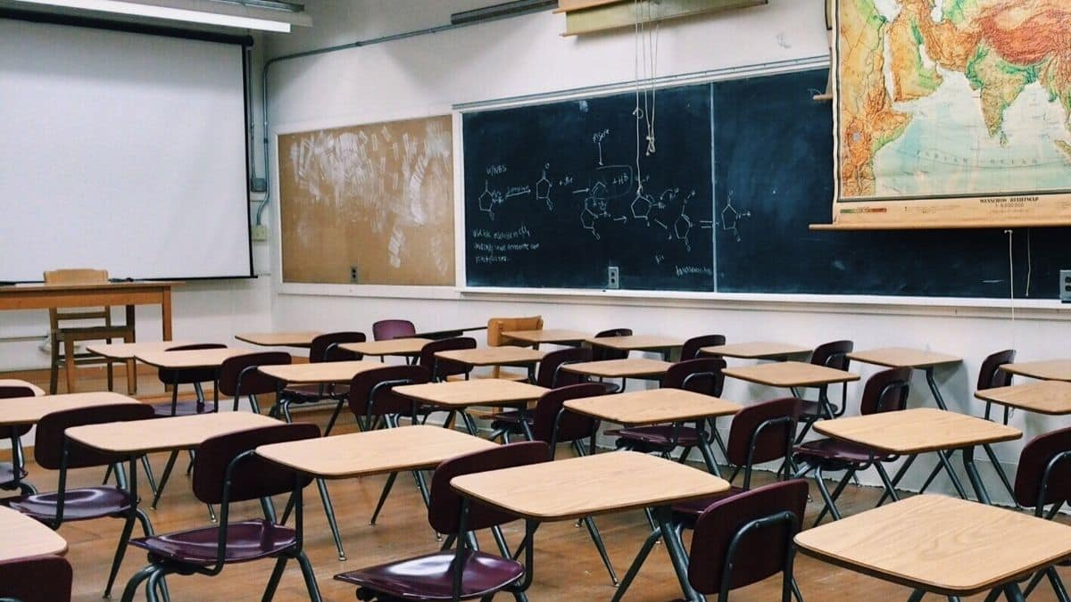 Lycée: des salles de cours ne sont pas nettoyées depuis la rentrée 2021 !