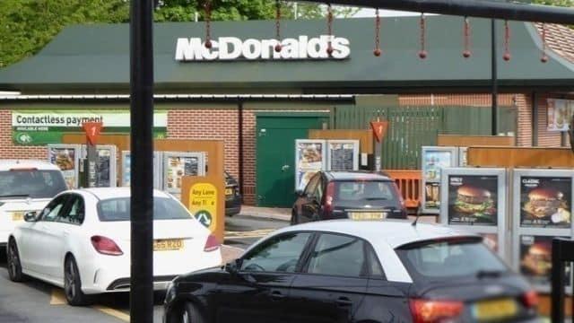 McDonald's les employés entendent les clients en voiture au Drive ?