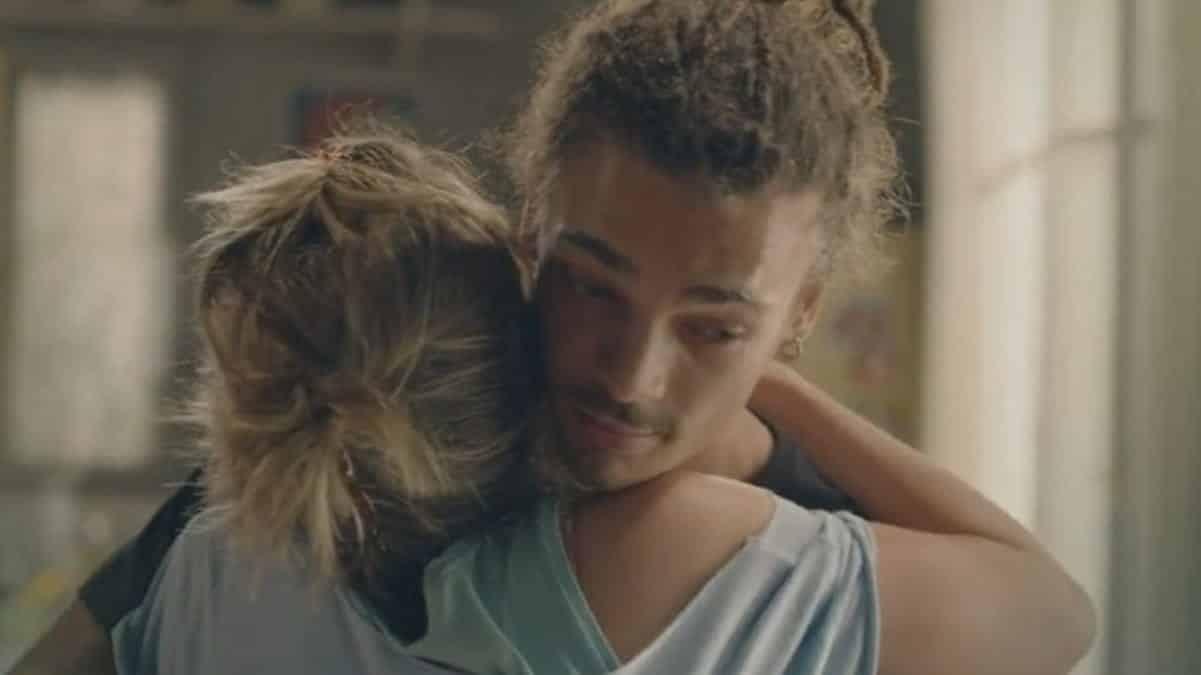 Plus belle la vie: Baptiste décide de rompre avec sa chérie Barbara !