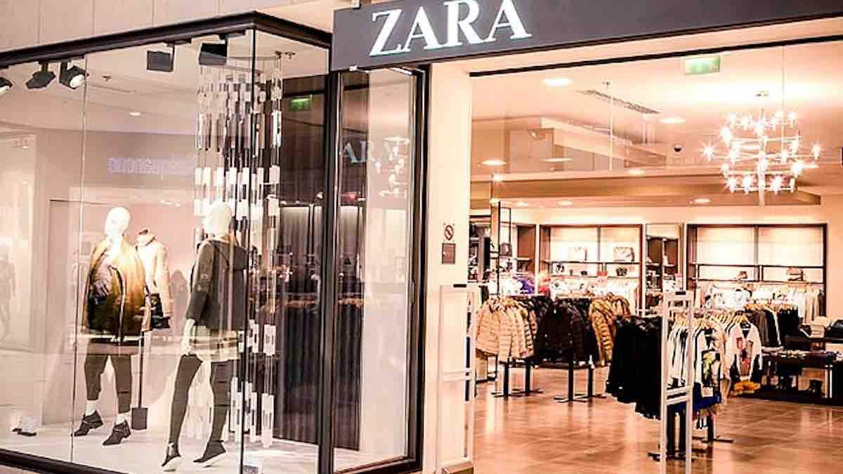 Zara: ce nouveau pull bleu clair est idéal pour un look sophistiqué !