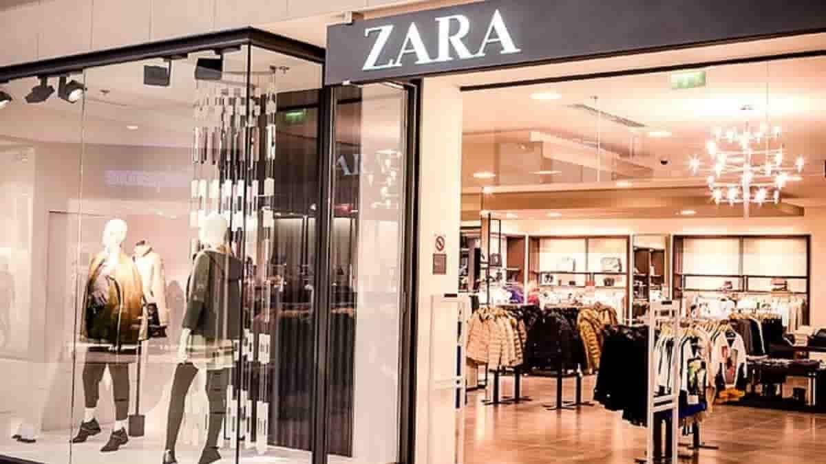 Zara: cette mini robe rétro parfaite pour l'automne fait sensation !
