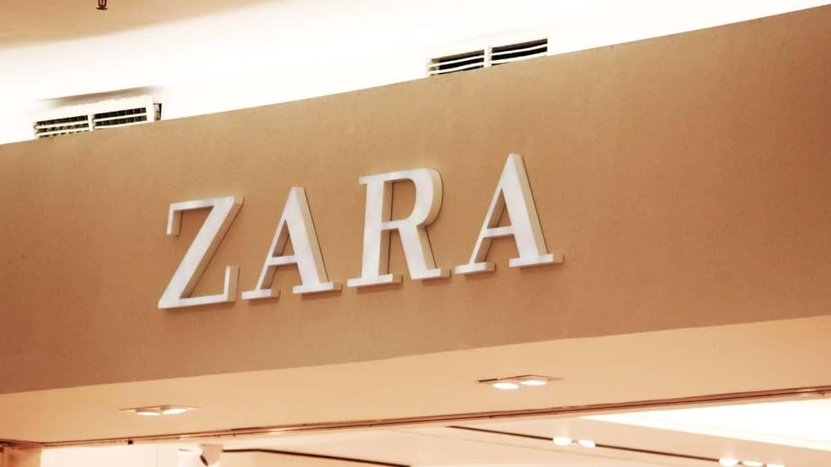 Zara sort son nouveau pantalon de costume large et très lumineux !